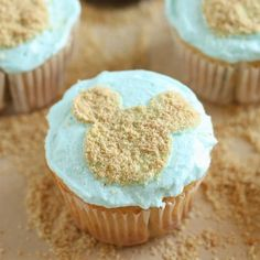 Mickey Mouse Beach Cupcakes | Spoonful