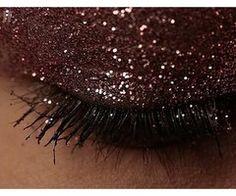 sparkly eyeshadow