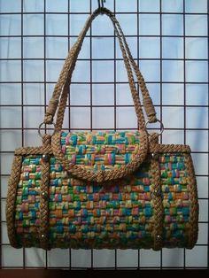 bolsos con periodico lindos diseños