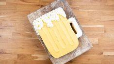 Bierglas-Torte - Rezept von Backen.de Dairy, Cheese, Food, Small Bowl, Food Coloring, Essen, Meals, Yemek, Eten