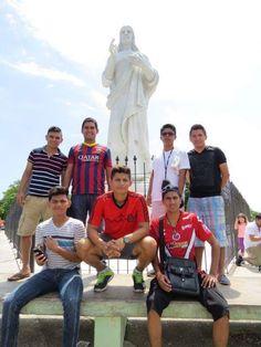 """Red Wine, nos envía estas fotos hechas en nuestra bella #Cuba, """"Somos futbolistas de #México"""", dice… https://www.facebook.com/CubanosGuru/"""