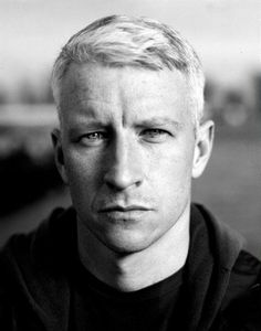 Anderson Cooper is seriously the sexiest gray haired man alive!