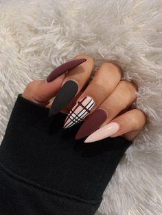 fall acrylic nail Acrylic Nails Coffin Short, Simple Acrylic Nails, Fall Acrylic Nails, Simple Fall Nails, October Nails, Nagellack Design, Cute Acrylic Nail Designs, Fall Nail Designs, Fire Nails