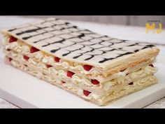 UN PASTEL MILHOJAS PARA ENAMORAR | La receta de Mis Pastelitos - YouTube Krispie Treats, Rice Krispies, Vanilla Cake, Cake Recipes, Mj, Bread, Desserts, Youtube, Mille Feuille