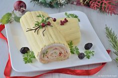 Impasto pizza sottile e friabile Christmas Log, Christmas In Italy, Christmas Dishes, Antipasto, Jelly Roll Cake, Cake Bars, Frozen Strawberries, Light Recipes, Simple Recipes
