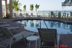Beachfront Penthouse 2 Bed/1 Bath in Fort Myers Beach