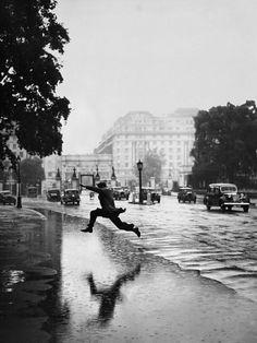 Wetsuit... Hyde Park London 1939 Photo: J.A. Hampton