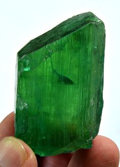 47 Grams Top Quality Prefectly Terminated Lush Green Kunzite Crystal From Afgh