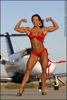 Female Bodybuilder Patricia Beckman flexing her hot muscles for the Muscularity site!