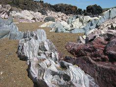 geological outcrops Ynys Llanddwyn by sarahgb(theoriginal), via Flickr