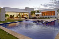 gorgeous modern pool house - open wall / open to exterior floor plan -- Casa da piscina - Galeria de Imagens | Galeria da Arquitetura