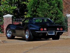 1969 Chevrolet Corvette Stingray 427 Convertible muscle supercar h Corvette Summer, Chevrolet Corvette Stingray, Classic Corvette, Classic Chevrolet, Stingray Chevy, Cool Car Pictures, Car Pics, Chevy Muscle Cars, Hot Rides
