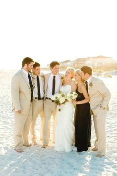 I love beach weddings! They are relaxed, full of sunlight and smell like a sea breeze! More often such ceremonies are relaxed because what can be better than walking barefoot to your beloved being surrounded by friends and relatives?