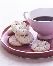 Try our gluten-free Christmas cookie recipes including totally scrumptious meringues, shortbread, and chocolate chip cookies. Almond Macaroons, Almond Cookies, Amaretti Cookies, Yummy Cookies, Sugar Cookies, Scones, Gluten Free Christmas Cookies, Holiday Cookies, Holiday Treats