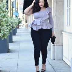 3 Easy Holiday Outfit Ideas via @GirlWithCurves #holidays  #fashion #style #outfits #ruffles