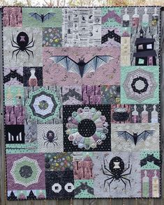 Welcome to the Epic Halloween Quilt-Along, Week – Flying Parrot Quilts Halloween Quilt Patterns, Halloween Quilts, Halloween Fabric, Halloween Sewing, Halloween Crafts, Witch Quilt, Fall Quilts, Sampler Quilts, Mini Quilts