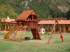 Castillo de juego Piratas. Camín de Pelayo http://www.escapadarural.com/casa-rural/asturias/camin-de-pelayo/fotos#p=0000000063779