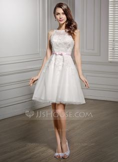 A-Line/Princess Scoop Neck Knee-Length Lace Wedding Dress With Sash Bow(s) (002056489)