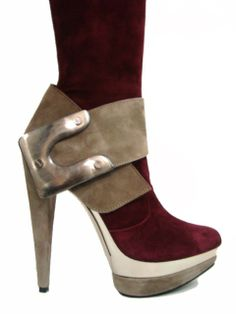 These shoes! I love the colour and huge bolted buckle detail. #heels #shoes