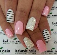 Love this liquorice and baby pink nail art