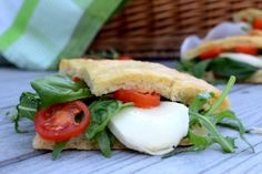 obložený chlebík na cesty