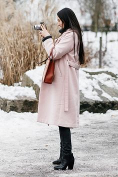 pink ladies-a coat to wear to fashion week and beyond. 如同優雅貴婦般的粉紅大衣街拍特輯 | Popbee - 線上時尚生活雜誌