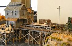 N Scale Model Trains, Model Train Layouts, Scale Models, Ho Scale Train Layout, Escala Ho, Model Training, Model Airplanes, Best Model, Decoration