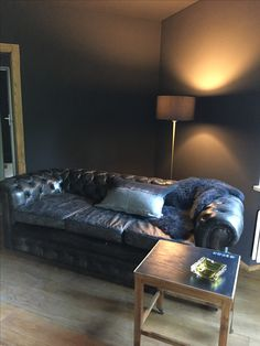 Chesterfield, Couch, Painting, Furniture, Black, Home Decor, Settee, Decoration Home, Sofa