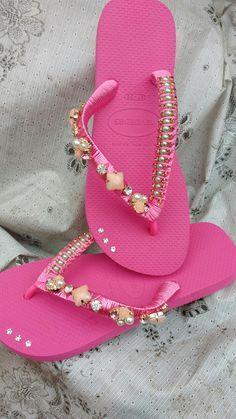 085207938 7 melhores imagens da pasta Chinelos Decorados | Decorated flip flops, Baby  headbands e Baby tiara