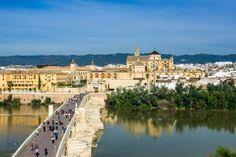 Córdoba capital, puente romano y mezquita.