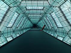 Olafur Eliasson, Mikroskop, Martin-Gropius-Bau, Berlin, 2010. Photo extraite de Temporary Architecture Now! (Taschen, 2011). Architecture éphémère : Zaha Hadid .