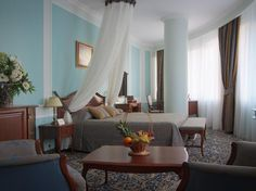 Yekaterinburg Onegin Hotel Russia, Europe Onegin Hotel is conveniently located in the popular Oktyabrsky area. The hotel offers a wide range of amenities and perks to ensure you have a great time. All the necessary facilities, including free Wi-Fi in all rooms, 24-hour front desk, 24-hour room service, express check-in/check-out, luggage storage, are at hand. Comfortable guestrooms ensure a good night's sleep with some rooms featuring facilities such as television LCD/plasma s...