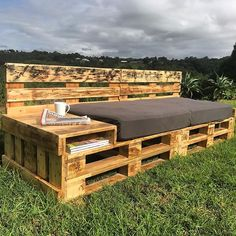 Pallet Designs It is also another type of diy recycled wooden pallet daybed which is shown in this picture you can imagine that the pallet which is used in this project are Pallet Garden Furniture, Pallets Garden, Outdoor Furniture, Furniture Ideas, Book Furniture, Lawn Furniture, Furniture Layout, Furniture Stores, Cheap Furniture