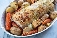 How to Cook a Boneless Pork Loin Roast! This Rosemary Garlic pork loin roast is easy, foolproof and seriously delicious! Best Pork Loin Recipe, Pork Loin Recipes Oven, Pork Roast In Oven, Boneless Pork Loin Roast, Pork Sirloin Roast, Pork Chops, Food Network Recipes, Magpie, Kitchen
