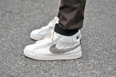 Supreme x Nike Blaze SB. Minus child labor practices I would. Basket Nike, Business Casual Outfits, Nike Air Force, Supreme, Kicks, Sneakers Nike, Sporty, Child, Unisex