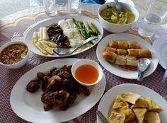 Speisen zum Auftakt des Veganen Festivals in Takuapa