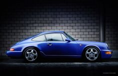 Looking for the Porsche 911 / 964 Carrera RS of your dreams? There are currently 25 Porsche 911 / 964 Carrera RS cars as well as thousands of other iconic classic and collectors cars for sale on Classic Driver. Porsche 911 964, Porsche 2017, Porsche Carrera Gt, Porsche Sports Car, Porsche Cars, Cool Sports Cars, Sport Cars, Cool Cars, Golf Mk1