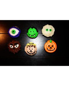 Craftymom23 used buttercream icing to make these spooky sweets. Be sure to eat the werewolf cupcake before it eats you!