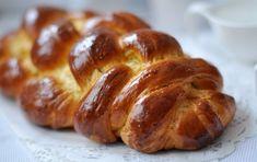 Foszlós fonott kalács - csakapuffin.hu Cukor, Favorite Recipes, Bread, Food, Brot, Essen, Baking, Meals, Breads