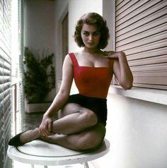Sophia Loren, True beauty,  timeless. ..