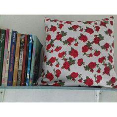 Saya menjual bantal kursi shaby bunga merah seharga Rp50.000. Dapatkan produk ini hanya di Shopee! https://shopee.co.id/boni.boniita/644092582/ #ShopeeID