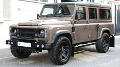 """2014 land rover """"chelsea defender"""" by kahn design media gallery. featuring 6 land rover """"chelsea defender"""" by kahn design (. Landrover Defender, Kahn Defender, Kahn Design, T2 T3, Best 4x4, Suv Cars, Expedition Vehicle, Car Wheels, Off Road Racing"""