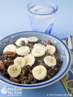 Coco-Banana Overnight Oats - This make ahead family breakfast option takes the stress out of the morning rush. Packed full of nutrients to keep energy up during a long day, this new spin on oatmeal is sure to please. #dairyfree #eggfree #vegetarian #vegan #overnightoats #ProduceforKids #recipe #healthy
