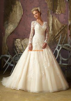 V-hals Chic & Modern van Teenpassing Bruidsmode 2014