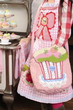 Small silly cupcake bag by GeK