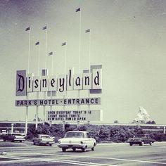 Magic Kingdom At Rare Color Photos Of Disneyland Dean O - 18 amazing rare colour photos disneyland 1955