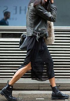 Rangers + jupe voile + perfecto. Comment choisir et porter les bottes? C'est ici: https://one-mum-show.fr/bottes/