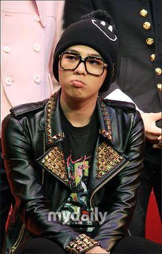 kpop wearing glasses | my top 4 bias..bigbang,beast,2pm,n shinee (wearing glasses)