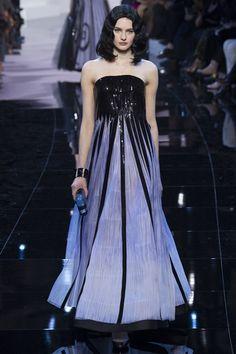 Sfilata Giorgio Armani Privé Parigi - Alta Moda Primavera Estate 2016 - Vogue