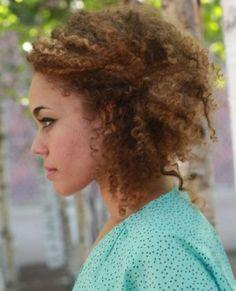 Andreya Triana. Apuntar peinado